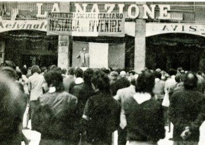 Pisa 5 Maggio 1972 ore 18 Largo Ciro Menotti comizio Giuseppe Niccolai Archivio Biblioteca Franco Serantini